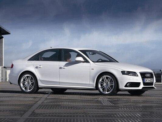 Autoesittely Audi A4 2008-2009