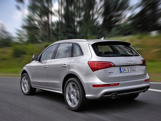 Autoesittely Audi Q5 2008-2009