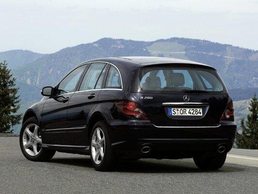 Autoesittely Mercedes-Benz R-sarja 2008-2011