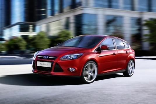 Autoesittely Ford Focus 2012