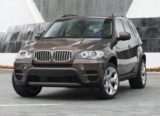 Autoesittely BMW X5 2012