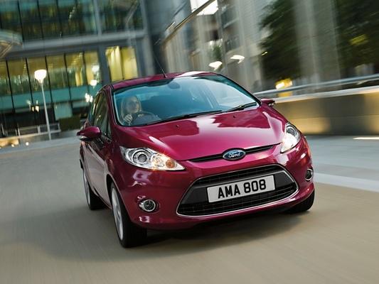 Autoesittely Ford Fiesta (2010)