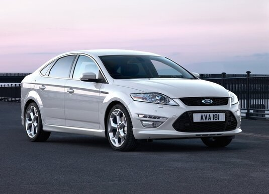 Autoesittely Ford Mondeo (2010)