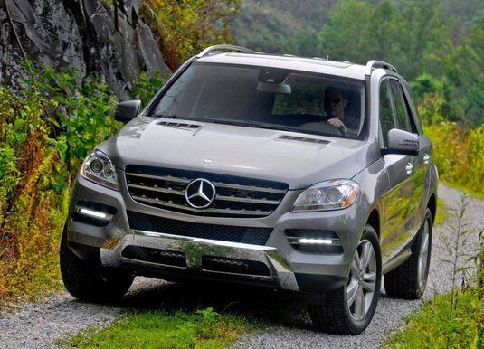 Autoesittely Mercedes-Benz ML 2012