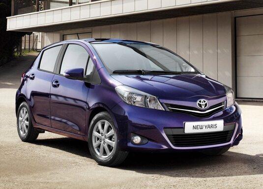 Autoesittely Toyota Yaris (2011)