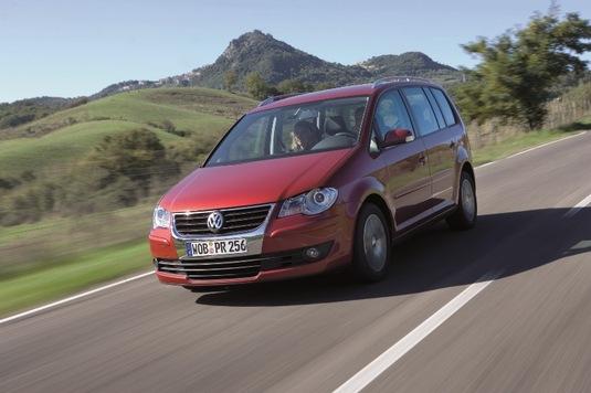 Autoesittely Volkswagen Touran 2010-2011