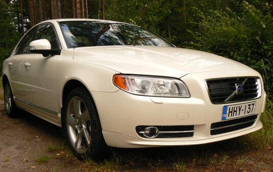 Autoesittely Volvo S80 2012
