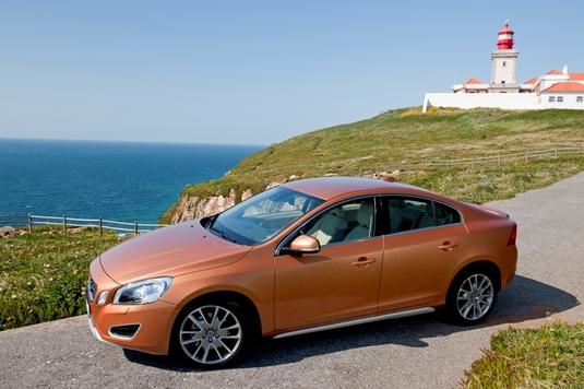 Autoesittely Volvo S60 2010-2011