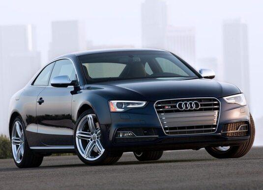 Autoesittely Audi S5/RS5 2013