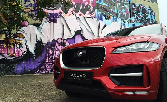 Koeajossa Jaguar F-Pace 3.0 AWD V6 autom. R-Sport