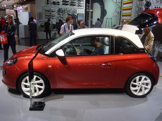 Pariisin autonäyttely 2012: Opel