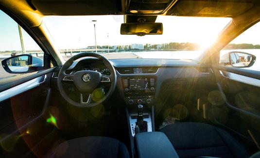 Maaliskuun autokaupassa lievä notkahdus - katso 20 eniten rekisteröityä automallia