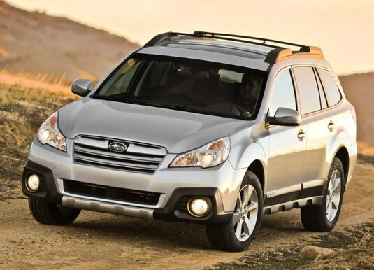 Autoesittely Subaru Outback 2013
