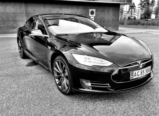 Tesla S 85 Performance  2013