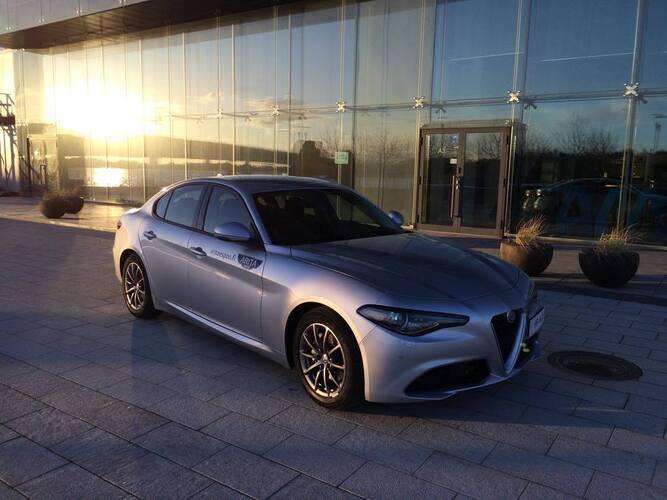 Saksalainen vs. italialainen - onko auto oikea auto ilman sydäntä?