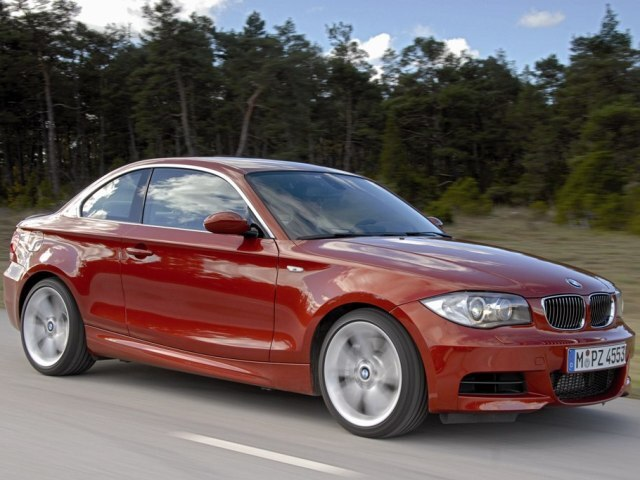Autoesittely BMW 1-sarja Coupe 2008-2011