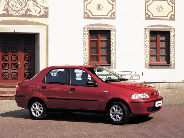 Autoesittely Fiat Albea (2008)