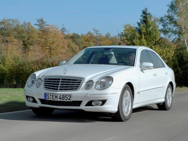 Autoesittely Mercedes-Benz E-sarja