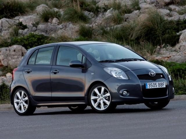 Autoesittely Toyota Yaris 2008-2009