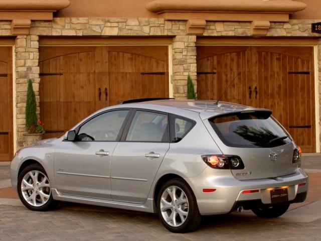 Autoesittely Mazda Mazda3 2007-2008
