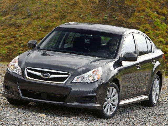 Autoesittely Subaru Legacy 2009-2011