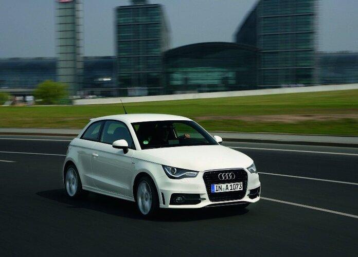 Autoesittely Audi A1 (2011)