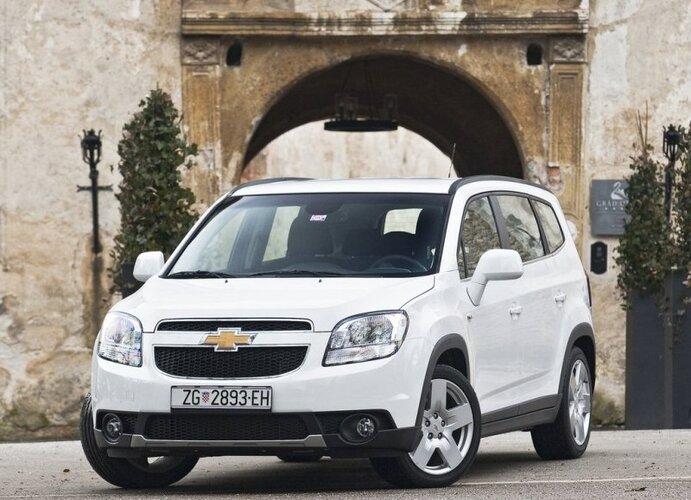 Autoesittely Chevrolet Orlando (2012)