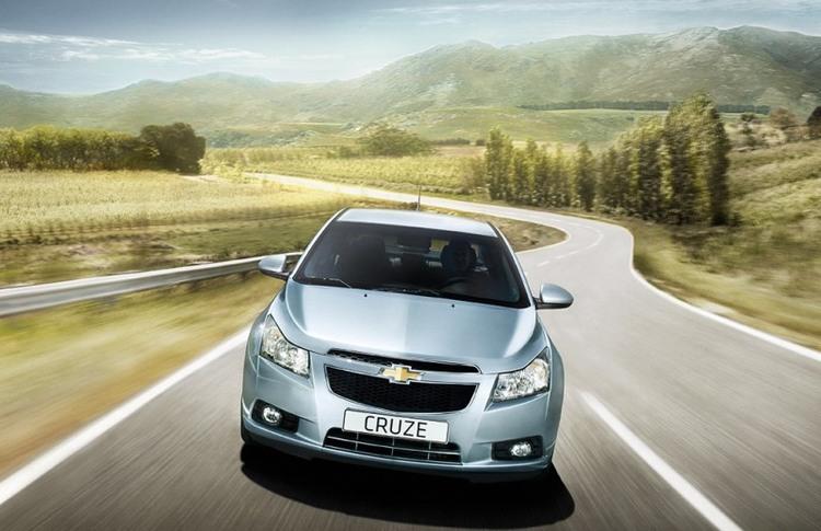 Autoesittely Chevrolet Cruze (2011)