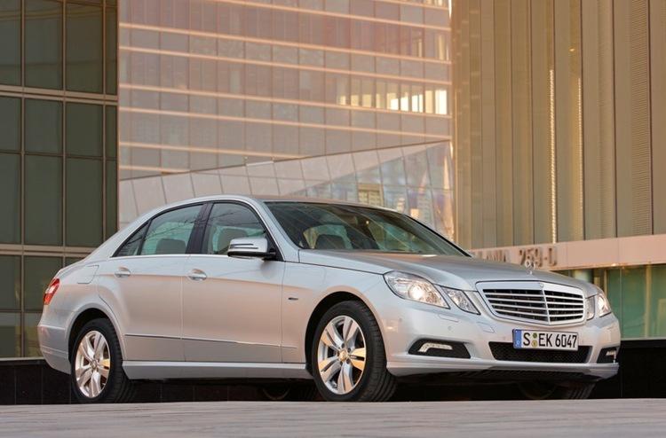 Autoesittely Mercedes-Benz E-sarja 2012