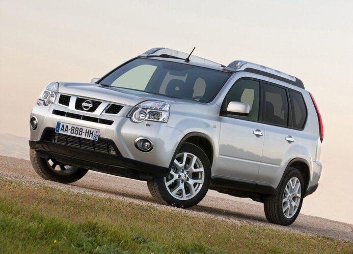 Autoesittely Nissan X-Trail 2012