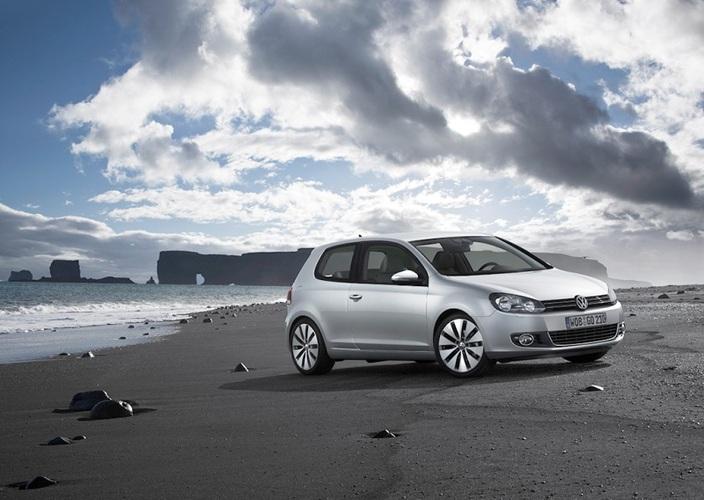 Autoesittely Volkswagen Golf 2009-2010