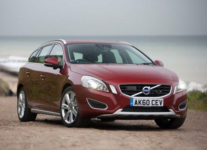 Autoesittely Volvo V60 2012