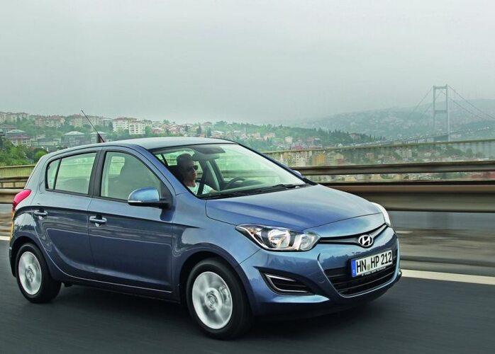 Autoesittely Hyundai i20 2013