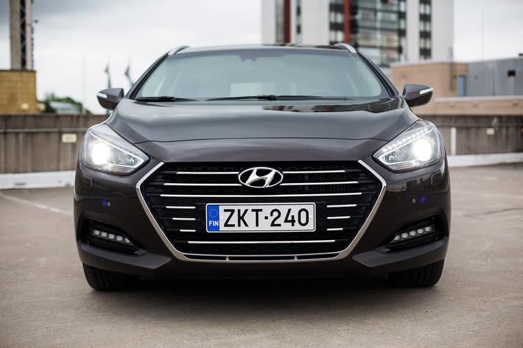 Koeajossa Hyundai i40 Wagon 1,7 CRDI 7DCT