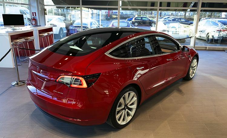 Tesla Model 3 sai Suomen hinnat – 544 km Long Range -versio alkaen 60500 euroa