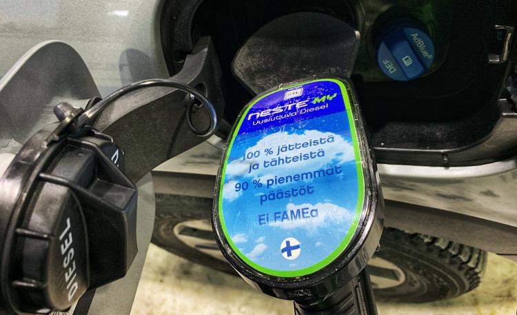 Kommentti: Mitä jos valtio kustantaisi dieselautoilijoille biopolttoaineet?