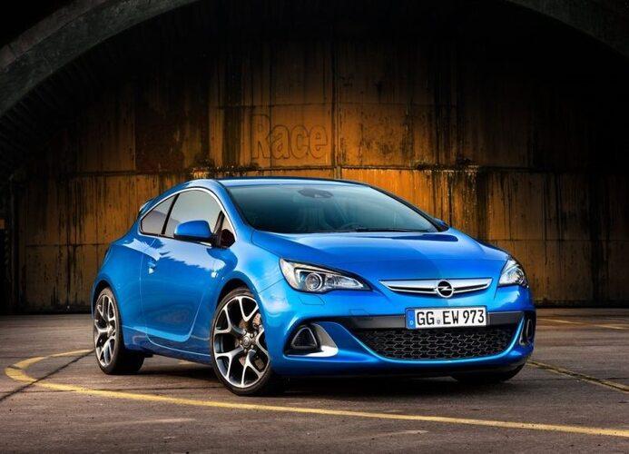 Autoesittely Opel Astra 2014