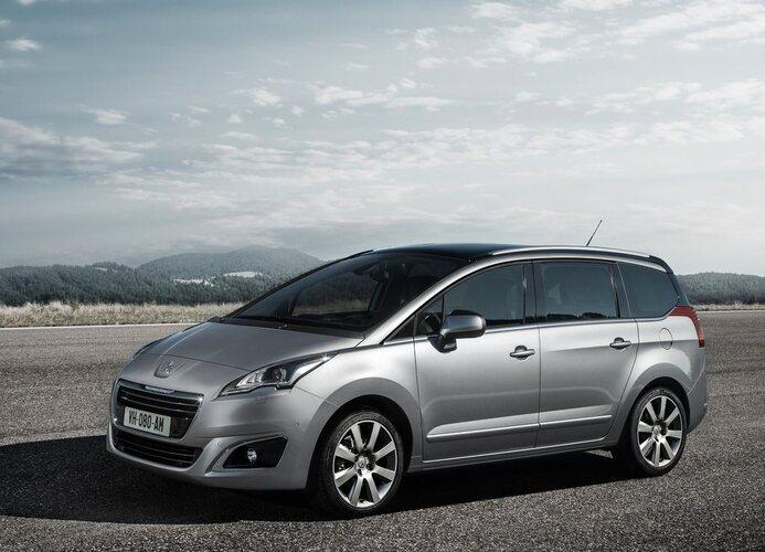 Autoesittely Peugeot 5008 2014