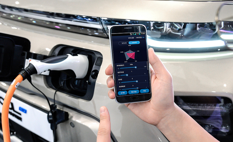 Auton virittäminen kuin videopelistä – Hyundailta ja Kialta poikkeuksellinen tuunaus-sovellus puhelimeen