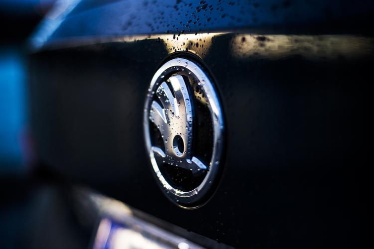 Autojen hinnat laskivat alkuvuonna - kauppa vetää viime vuotta paremmin