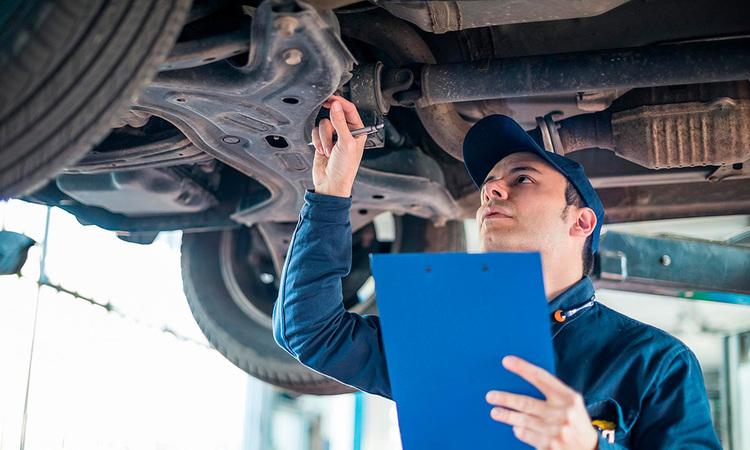 Merkkihuolto vai nyrkkipaja – missä autonsa uskaltaa korjauttaa?