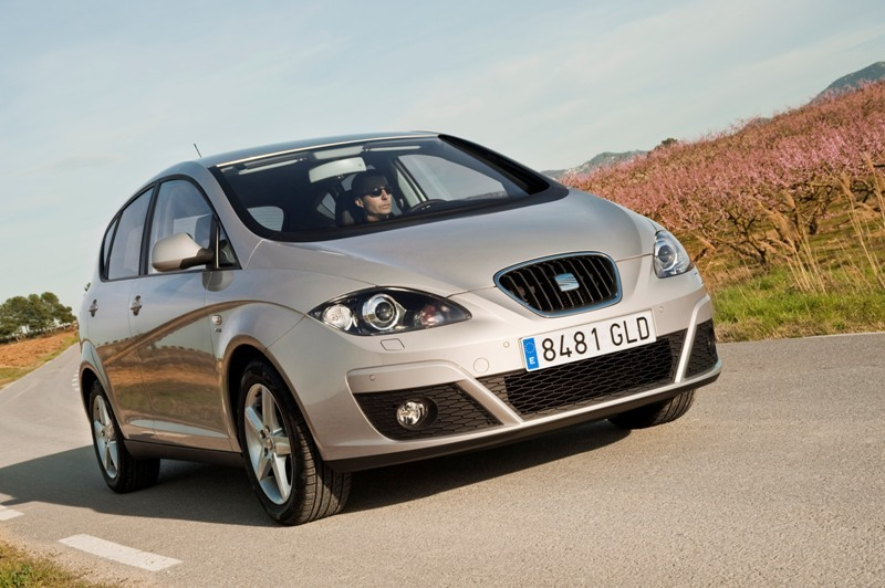 Autoesittely Seat Altea 2010-2011
