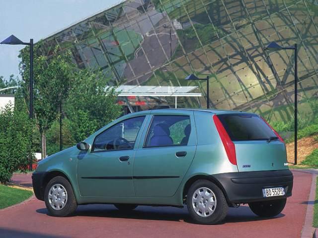 Autoesittely Fiat Punto 2002