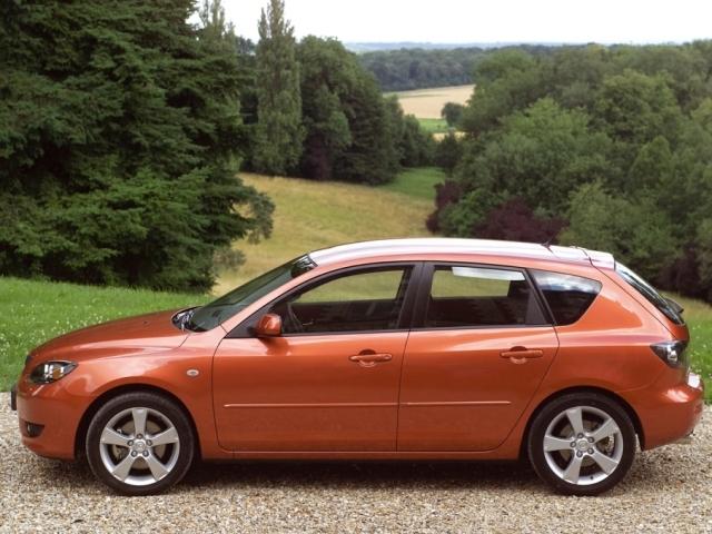 Autoesittely Mazda Mazda3 (2003)