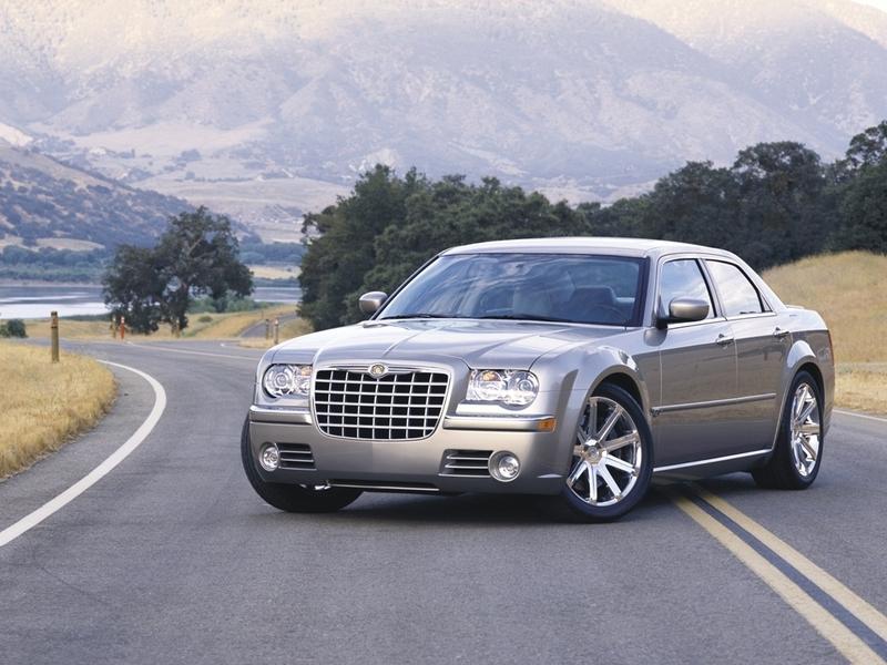 Autoesittely Chrysler 300C 2006