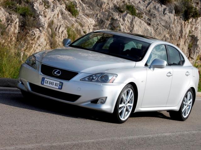 Autoarvio: Koeajossa Lexus IS 220d