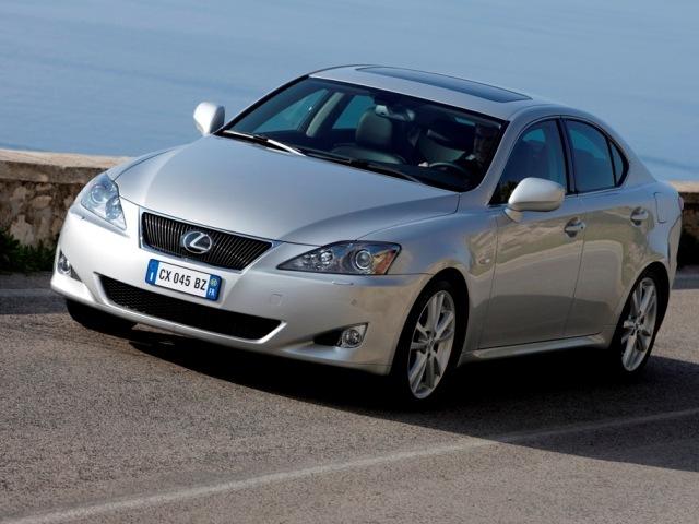 Autoesittely Lexus IS250 2006-2007