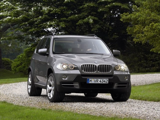 Autoesittely BMW X5 2008-2010