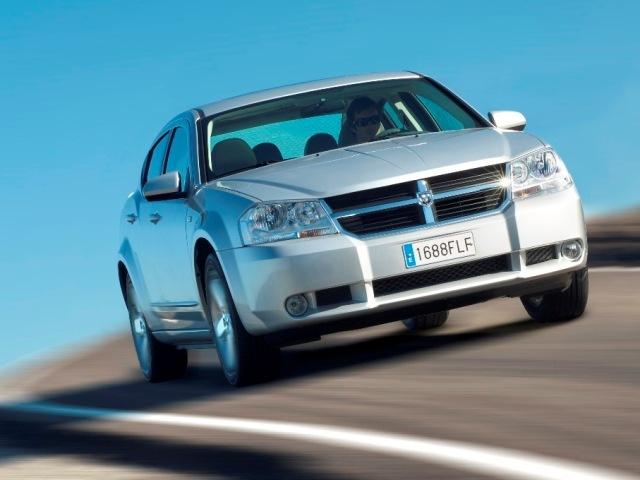 Autoesittely Dodge Avenger 2007-2009