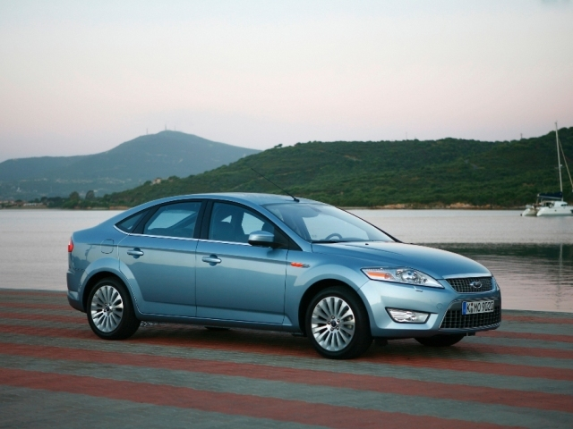 Autoesittely Ford Mondeo 2007-2009